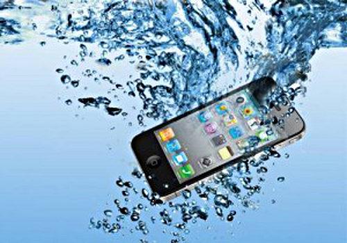 Se me ha mojado el móvil ¿que hacer?